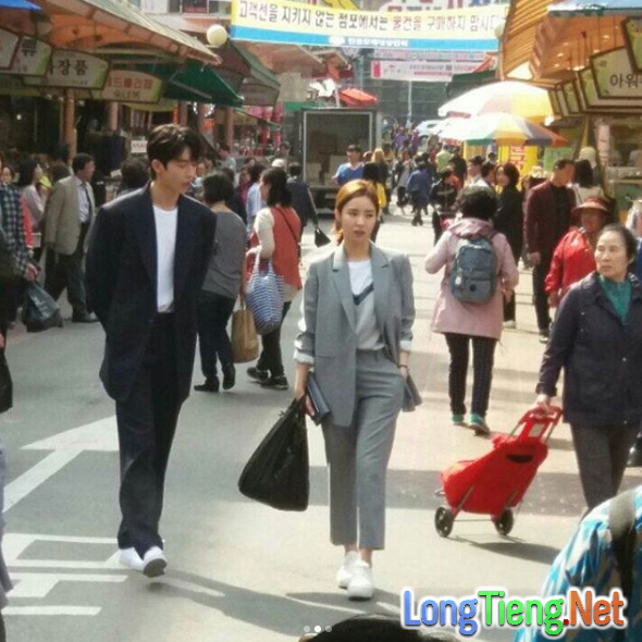Cặp kè nữ thần mặt đơ, Thủy thần Nam Joo Hyuk lại càng đẹp trai - Ảnh 3.