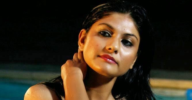 Indian hot actress sexy pictures : swati telugu actress ...