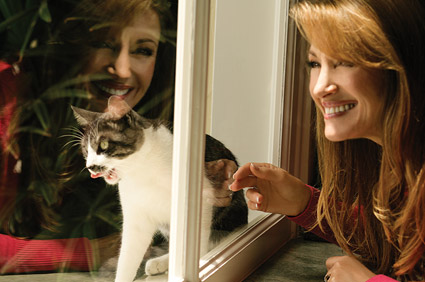 Jane Seymour and her cat