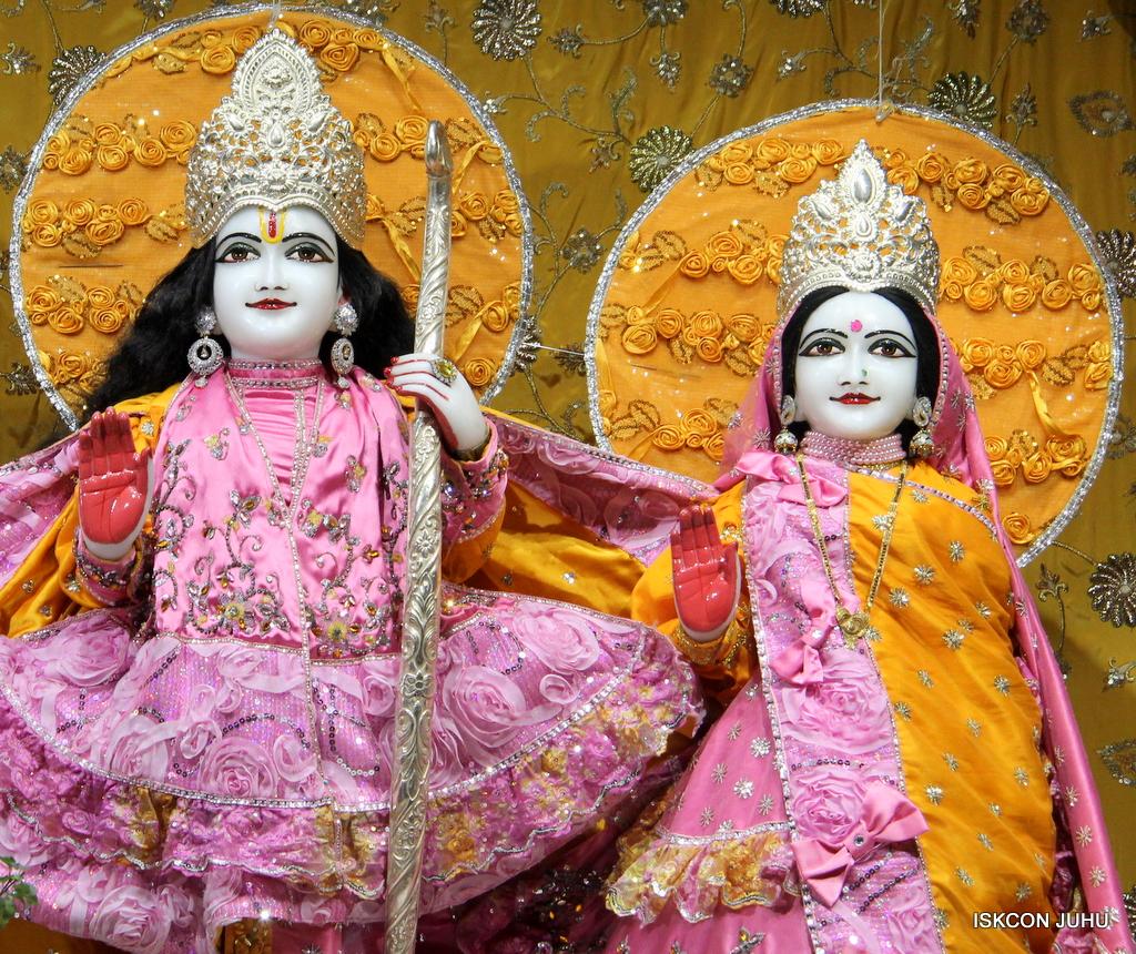 ISKCON Juhu Mangal Deity Darshan on 30th Dec 2016 (9)