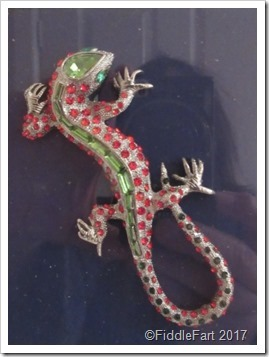 jewelled-lizard-brooch_thumb5