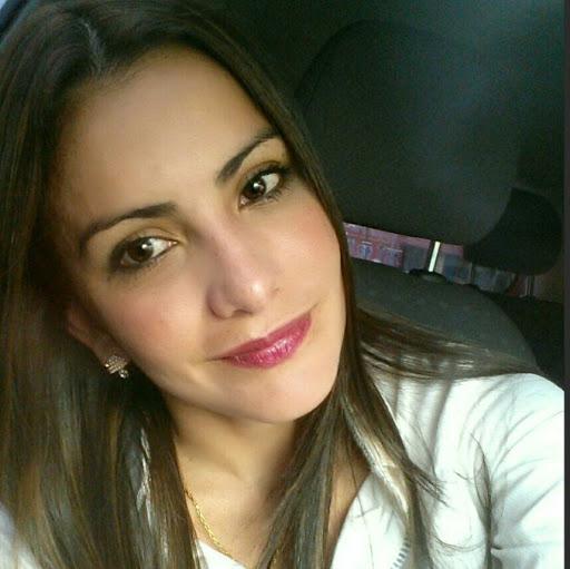 Mariela Flores Photo 19