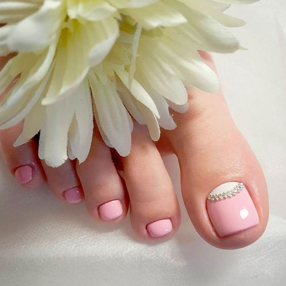 CREATIVE TOE NAIL ART DESIGNS FOR SUMMER 2019 2