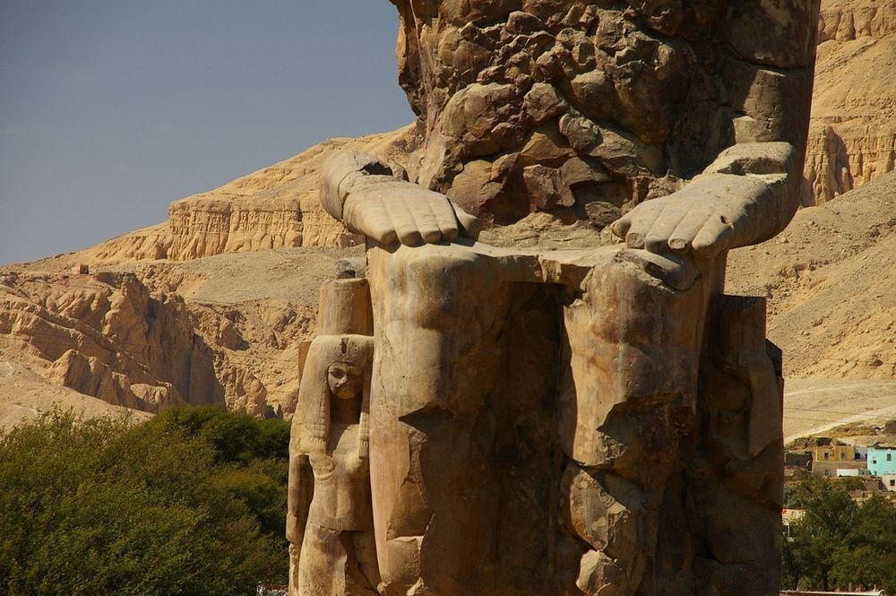 colossi-of-memnon-8