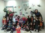 4A se disfraza para Hallowen, Mª José, Mayte y Rosa con los monstruitos de 4 años A