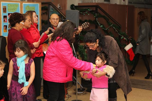 OLOS Navidad 2010 con Amigos Migrantes - IMG_9812.JPG