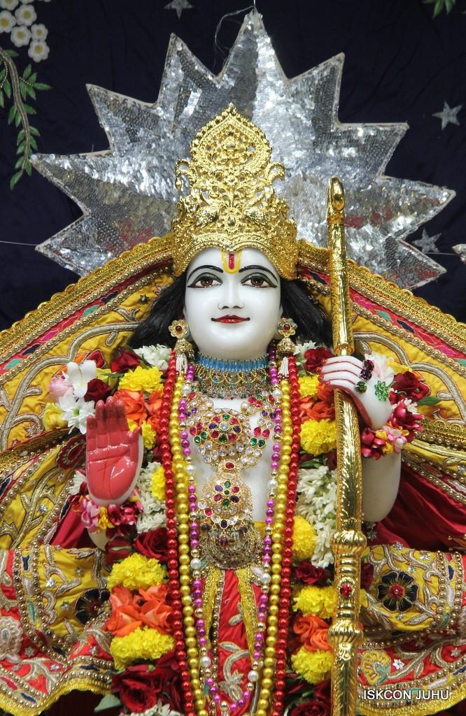 ISKCON Juhu Sringar Deity Darshan 22 Nov 2016 (37)
