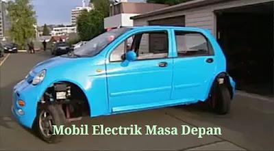 Surabayatrend.com | Surabaya - Sejumlah mahasiswa asal Cina berhasil menciptakan sebuah mobil elektrik yang unik dan menarik. Pasalnya, selain bisa maju dan mundur layaknya mobil pada umumnya, mobil ini bisa menggelinding arah kesamping.