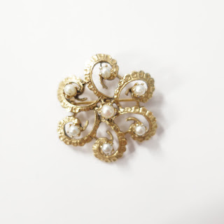14K Gold and Pearl Brooch