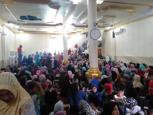Masjid At-Taubah Wajo Berikan Santunan Kepada Anak Yatim Piatu dan Kaum Dhuafa