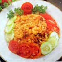 Nasi goreng merupakan masakan nasional sejati yang diminati oleh seluruh lapisan masyarak RESEP NASI GORENG SEAFOOD ENAK SPESIAL
