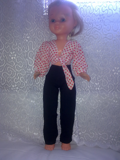 Vendo ropa original de muñeca Nancy.