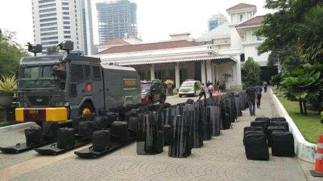 Abu Janda Cs akan Demo Balai Kota, Bang Japar Bikin Tandingan Kawal Anies