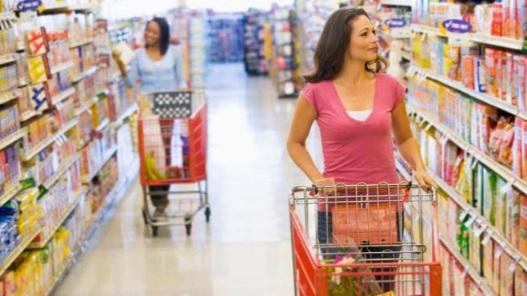 Indeks Keyakinan Konsumen Turun ke Level Pesimistis