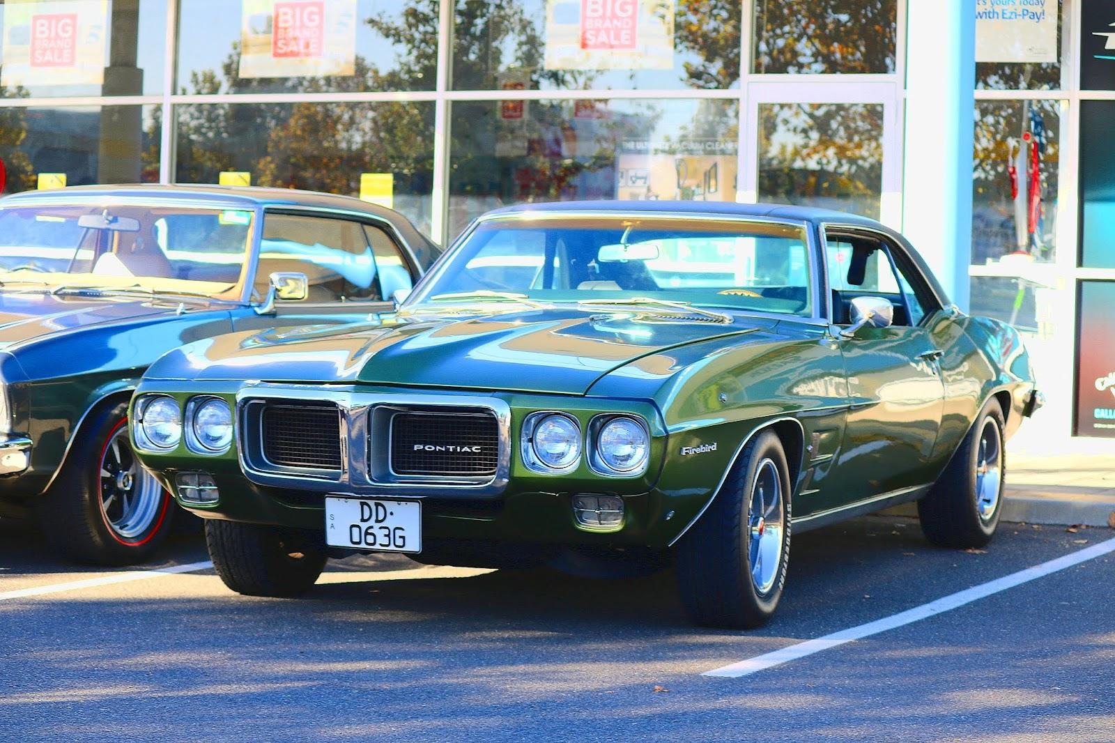 Pontiac Firebird.jpg