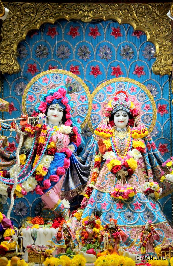 ISKCON Juhu Sringar Deity Darshan on 29th Dec 2016  (17)