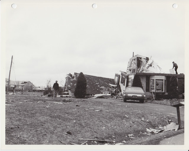 1976 Tornado photos collection - 20.tif