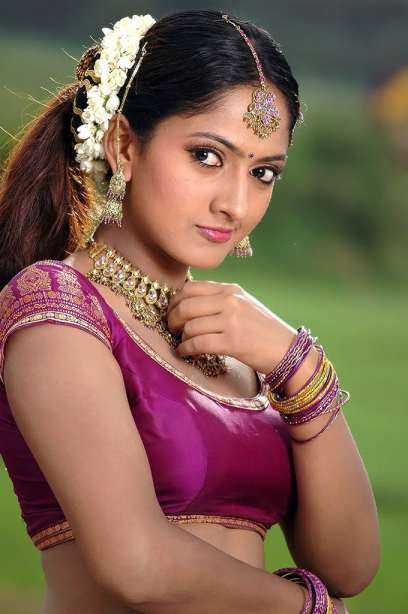 Indian hot actress sexy pictures : Sheela young tamil ...