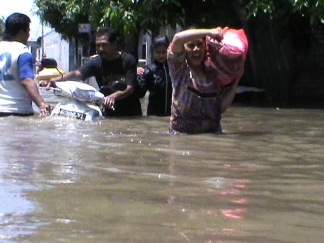 Malam Tahun Baru Tiga Kecamatan di Jombang Terendam Air
