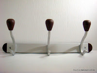 裝潢五金品名:3512-衣鉤規格:3鉤(250m/m)規格:5鉤(430m/m顏色:SC+胡桃玖品五金