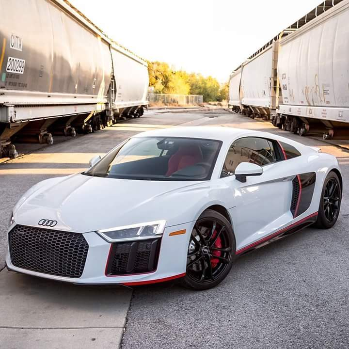 Car Brochures For Sale : Audi R8