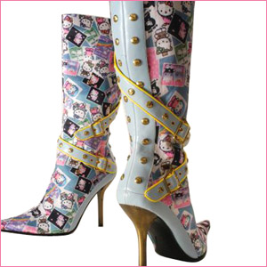 Botas de Hello Kitty con taconazos