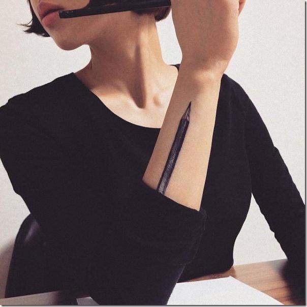 el_lapis_encaja_perfectamente_en_el_area_del_brazo