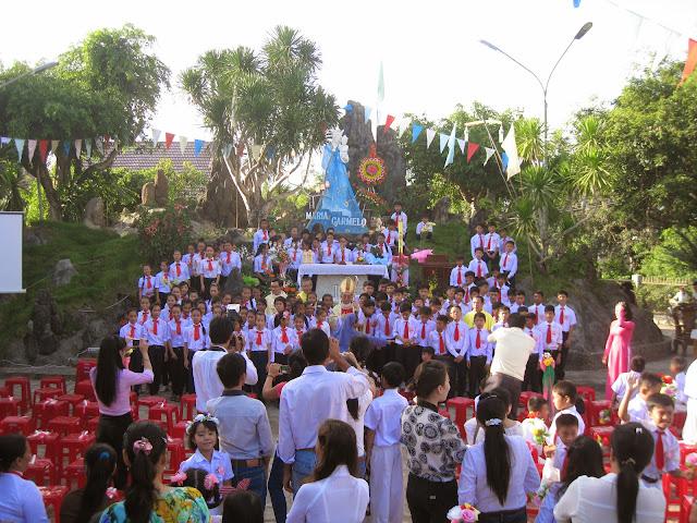 Hình ảnh thánh lễ ban Bí tích Thêm sức tại Giáo xứ Đồng Hộ, Giáo hạt Diên Khánh