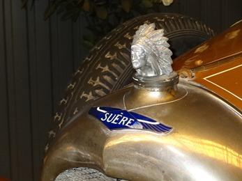 2017.10.23-022 figurine de la Suère D 1925