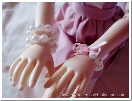 5 a Week: Jewelry for Dolls: Pearl Bracelets