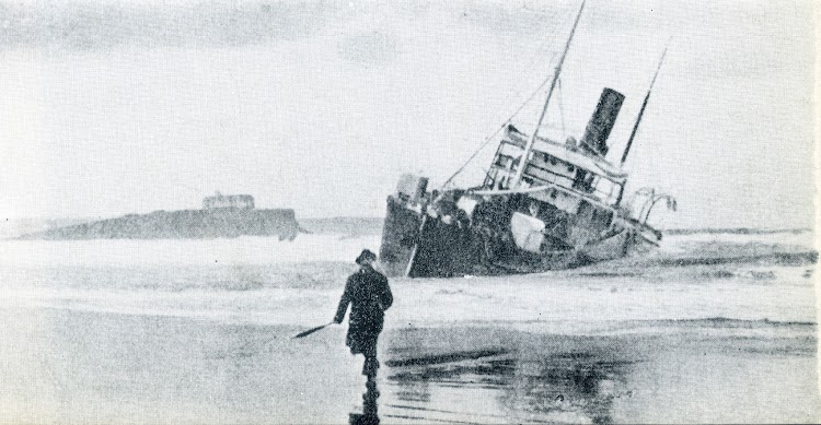El ARINDA-MENDI perdido en Las Quebrantas. Diciembre de 1917. Del libro Naufragios en la Costa de Cantabria.jpg