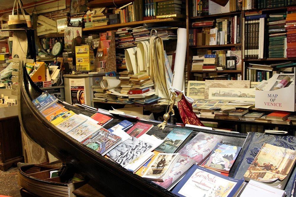 libreria-acqua-alta-4