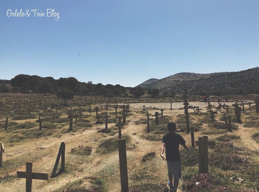 Tumbas del cementerio de Sad Hill, escenario de la película El bueno, el feo y el malo