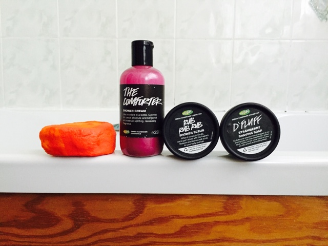 lush, bath, products, skincare, soap and glory, the comforter, rub rub rub, d'fluff, bubble bar,