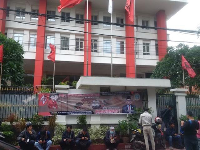 Tak Berani Geledah DPP PDIP, KPK Takut Partai Penguasa