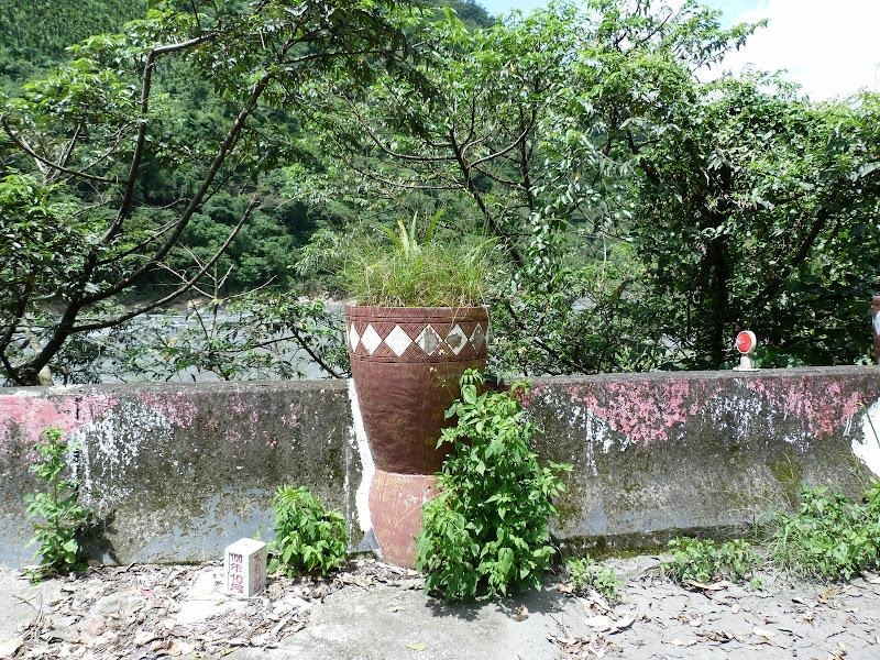 Puli  en passant , entre autres, par les villages de l ethnie Bunum de Loloko et Dili. J 10 - P1160838.JPG