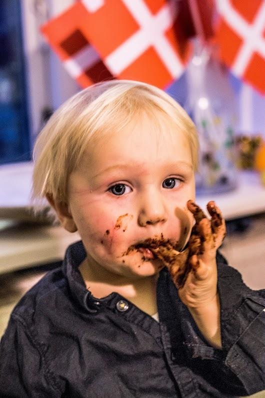 Chokoladelagkage med karamelglasur - Mikkel Bækgaards Madblog-5.jpg