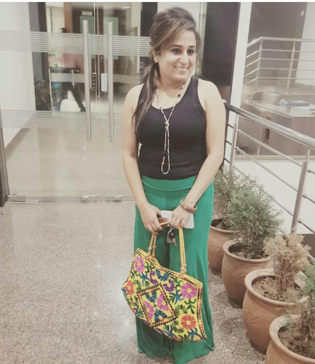 Beautiful Punjabi Girl Madhu Singh Instagram Images