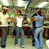 Gobierno dominicano prohíbe bailes en colmadones.