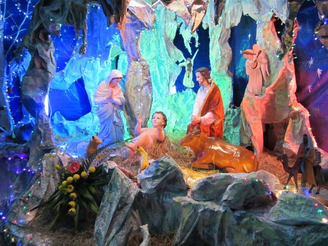 Canh thức Giáng Sinh và thánh lễ đêm tại Giáo xứ Liên Sơn