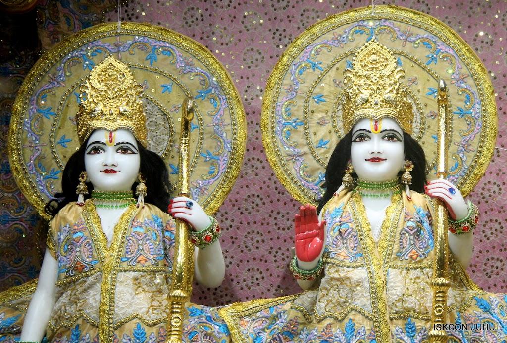 ISKCON Juhu Mangal Deity Darshan on 24th July 2016 (10)