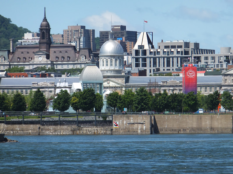 Marche de Bonsecours, Montreal, Quebec, Canada, elisaorigami, travel, blogger, voyages, lifestyle