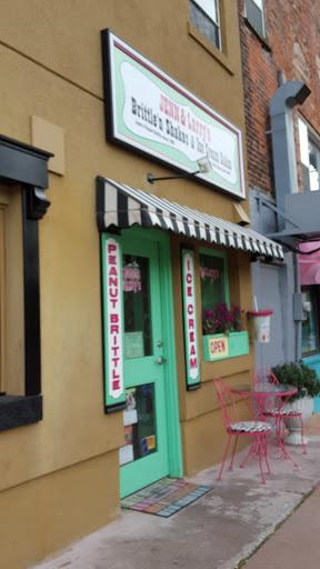 JENN & Larry's Brittle 'n Shakes & Ice Cream Cakes - part of Savour Stratford's Pumpkin Trail