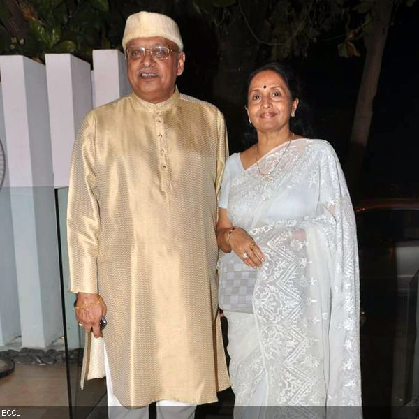 Kiran Shantaram with wife arrive at the press meet of MIFTA Awards, held in Mumbai, on May 27, 2013. (Pic: Viral Bhayani)
