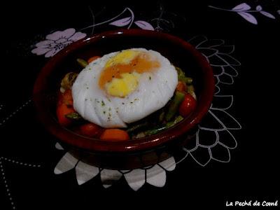 Cazuela de champiñones y zanahoria con huevo de oca