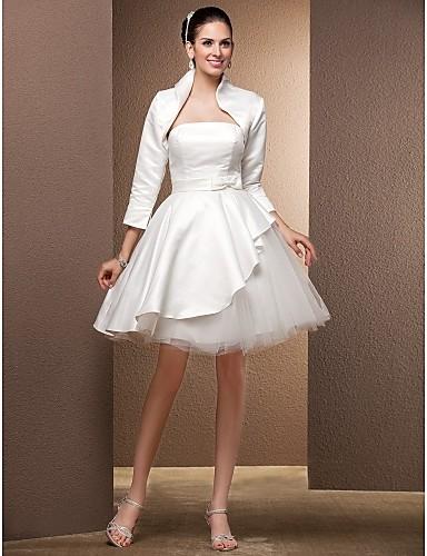 vestidos de novia: vestido de novia hasta la rodilla con mantón