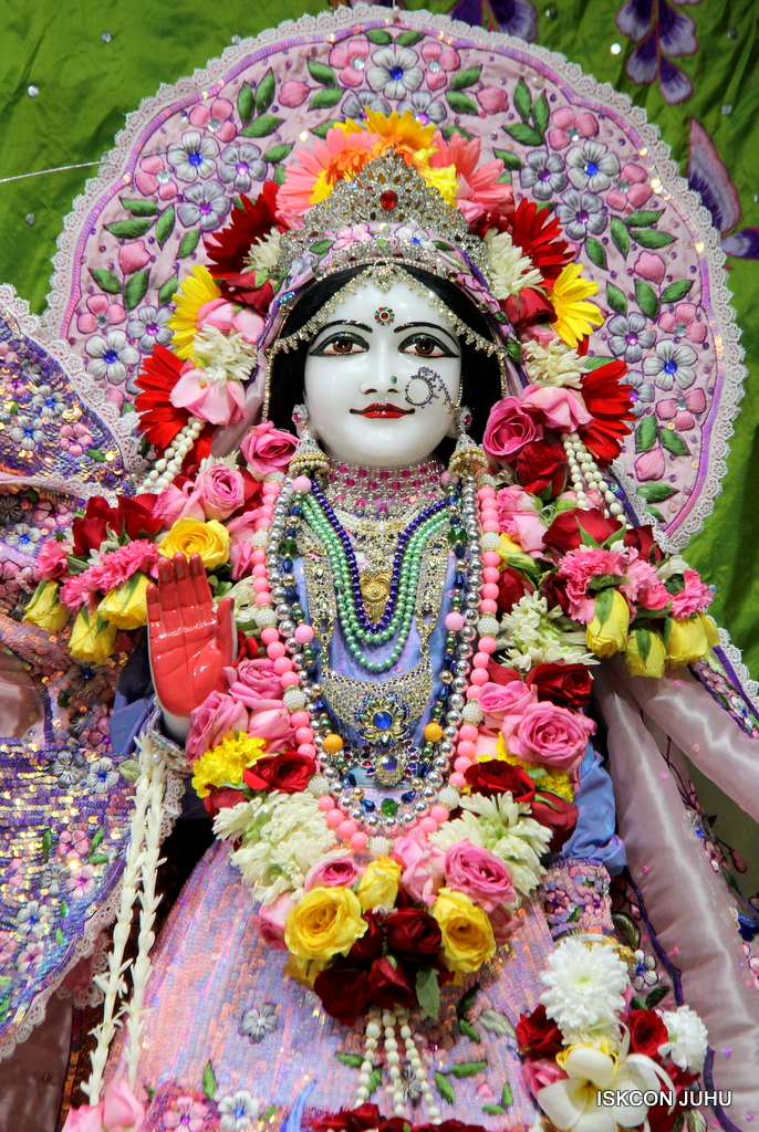 ISKCON Juhu Deity Darshan on 20th Oct 2016 (46)