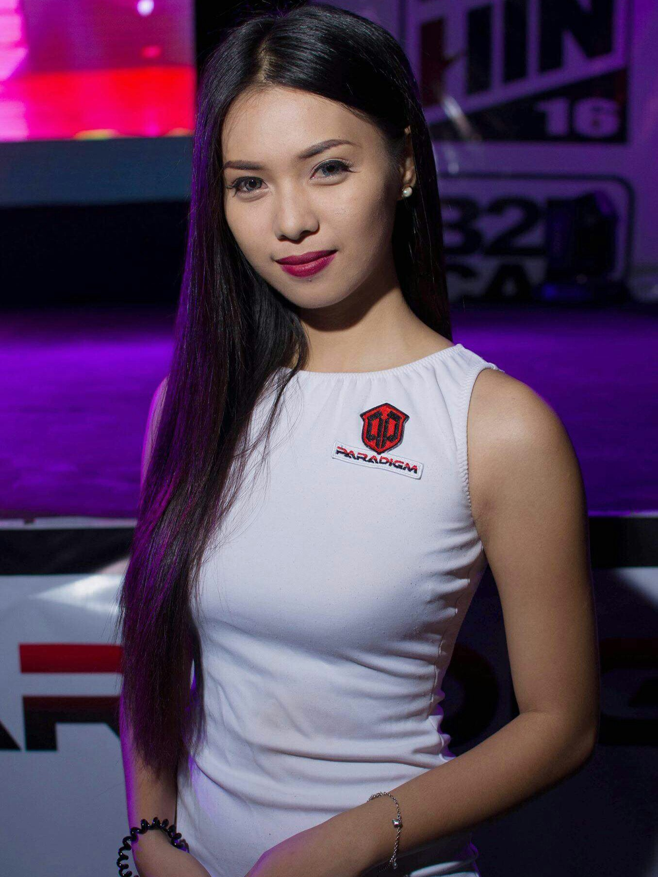 Shaira Mae Marasigan - Sexy Pinay Carshow Model  Pinays Finest - Hot And Sexy -6293
