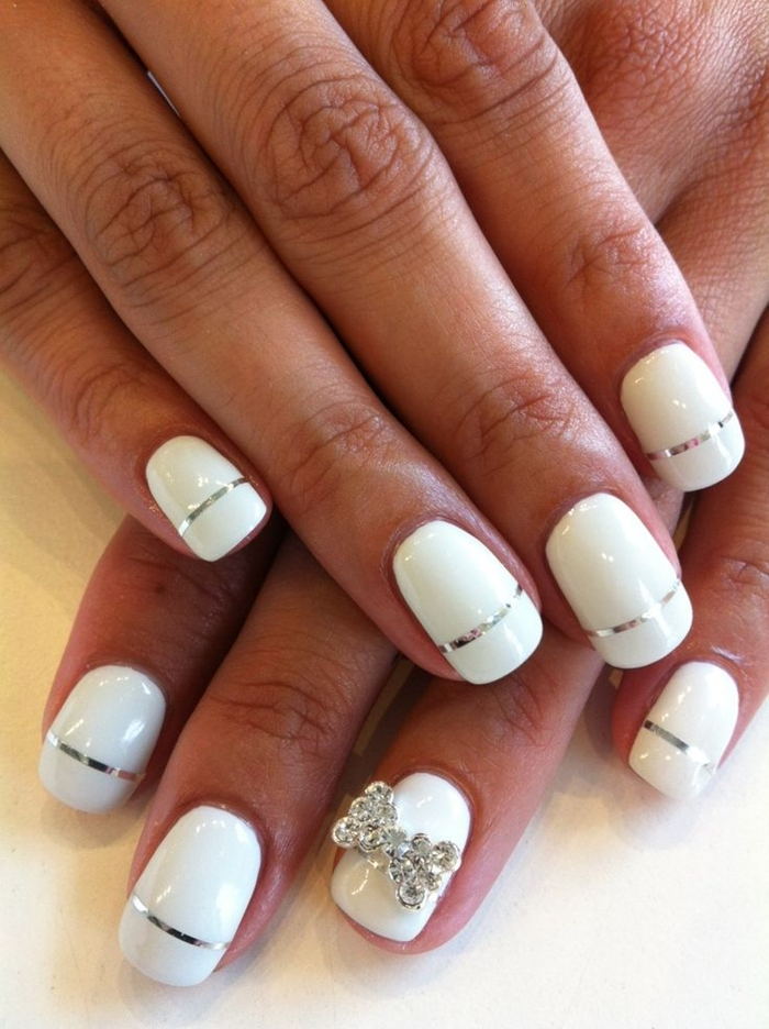 WHITE ON WHITE NAILS ART YOU MUST TRY THIS WINTER