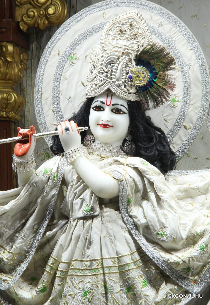 ISKCON Juhu Mangal Deity Darshan on 8th Sep 2016 (18)